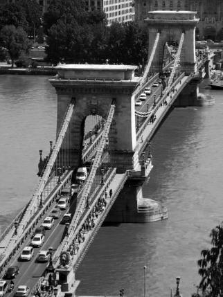 Szenchenyi Chain Bridge